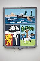Europe/France/Aquitaine/64/Pyrénées-Atlantiques/Pays Basque/ Ciboure: Armoiries de Ciboure sur la facade du batiment du port