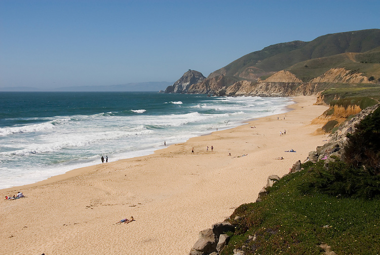 Montara Beach, .San Mateo Coast of California, south of San Francisco.  Photo copyright Lee Foster, 510-549-2202, lee@fostertravel.com, www.fostertravel.com. Photo 415-31182