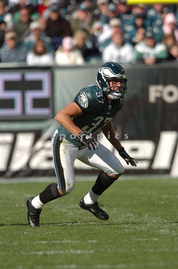 SEAN CONSIDINE of the Philadelphia Eagles  in action against the Jacksonville Jaguars on October 29, 2006 in Philadelphia PA...Jaguars win 13-6..Tomasso DeRosa / SportPics