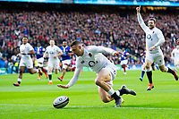 Jonny May of England scores the opening try of the match. Guinness Six Nations match between England and France on February 10, 2019 at Twickenham Stadium in London, England. Photo by: Patrick Khachfe / Onside Images