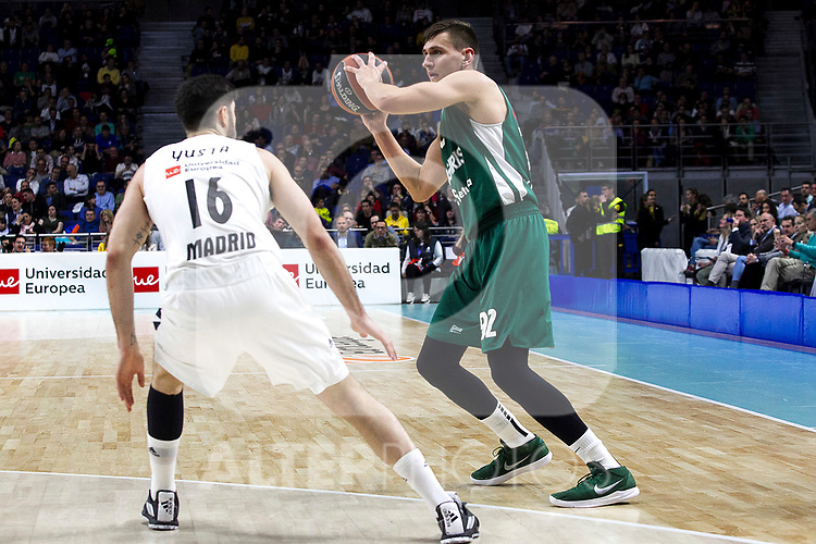 Real Madrid's Santiago Yusta and Zalgiris' Edgaras Ulanovas during Euroligue match between Real Madrid and Zalgiris Kaunas at Wizink Center in Madrid, Spain. April 4, 2019.  (ALTERPHOTOS/Alconada)