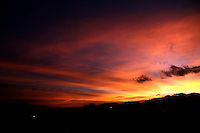 BOGOTA - COLOMBIA - 3-09-2015: Amanecer en la ciudad / Sunrise in the city. Photo: VizzorImage / Felipe Caicedo / Staff.