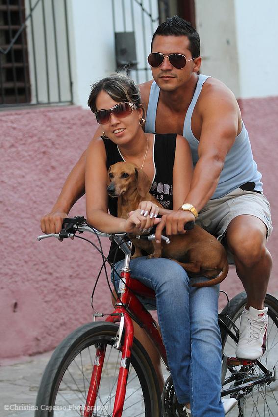 Carpooling in Cienfuegos, Cuba