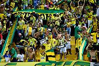 BUCARAMANGA - COLOMBIA, 23-02-2019: Hinchas de Atlético Bucaramanga animan a su equipo durante partido entre Atlético Bucaramanga y Alianza Petrolera, de la fecha 6 por la Liga Aguila I 2019, jugado en el estadio Alfonso López de la ciudad de Bucaramanga. / Fans of Atletico Bucaramanga cheer for their team, during a match between Atletico Bucaramanga and Alianza Petrolera, of the 6th date for the Liga Aguila I 2019 at the Alfonso Lopez Stadium in Bucaramanga city Photo: VizzorImage / Oscar Martínez / Cont.