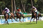 Die 3 erstplatzierten im 1. Rennen links: Lagune (1.Platz) mit Jockey J.Bojko mitte: Candy Sweet (3.Platz) mit Jockey F.X. Weissmeier und rechts: When Comes Here (2. Platz)mit Jockey A.v.d. Trost  beim Renntag auf der Seckenheimer Rennbahn.<br /> <br /> Foto © PIX-Sportfotos *** Foto ist honorarpflichtig! *** Auf Anfrage in hoeherer Qualitaet/Aufloesung. Belegexemplar erbeten. Veroeffentlichung ausschliesslich fuer journalistisch-publizistische Zwecke. For editorial use only.