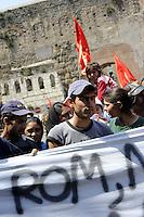 Roma, 1 Maggio 2009.Manifestazione del 1 Maggio a Roma..Rom in corteo..Rome, May 1, 2009.Demonstration of 1 May in Rome.Roma in a demonstration