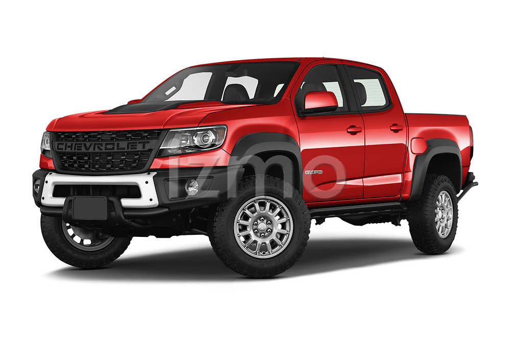 Stock pictures of low aggressive front three quarter view of a 2019 Chevrolet Colorado ZR2 4 Door Pick Up