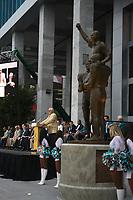 Ex-Head Coach Don Shula (Miami Dolphins) bei der Enthuellung der Statue zu Ehren der Dolphins von 1972<br /> AFC vs. NFC Pro Bowl, Sun Life Stadium *** Local Caption *** Foto ist honorarpflichtig! zzgl. gesetzl. MwSt. Auf Anfrage in hoeherer Qualitaet/Aufloesung. Belegexemplar an: Marc Schueler, Alte Weinstrasse 1, 61352 Bad Homburg, Tel. +49 (0) 151 11 65 49 88, www.gameday-mediaservices.de. Email: marc.schueler@gameday-mediaservices.de, Bankverbindung: Volksbank Bergstrasse, Kto.: 52137306, BLZ: 50890000