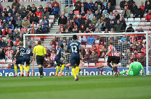 02.05.2015.  Sunderland, England. Barclays Premier League. Sunderland versus Southampton. Sadio Mane of Southampton equalises within a minute of Sunderland taking the lead