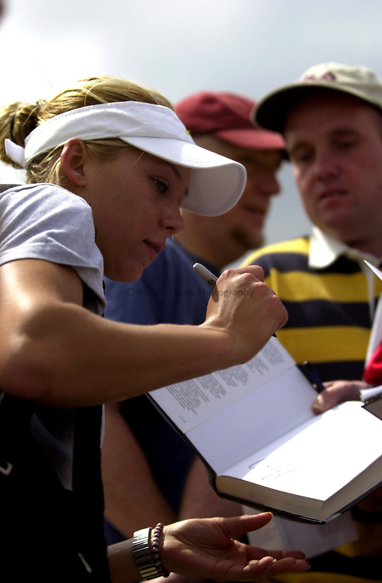 Photo: Richard Lane..DFS Classic Women's International Tennis at Edgebaston. 09/06/2003..Anna Kournikova signs autographs.