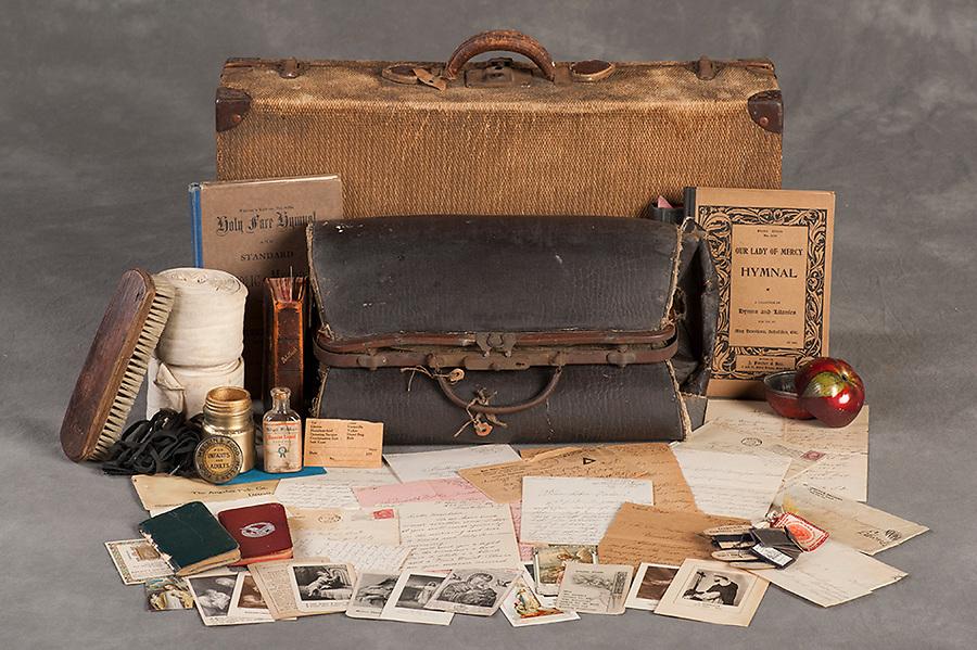 Willard Suitcases / Theresa Marie L / ©2014 Jon Crispin