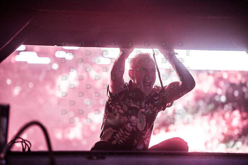 CIUDAD DE MEXICO, D.F. 22 Noviembre.- Fatboy Slim durante el festival Corona Capital 2015 en el Autodromo Hermanos Rodríguez de la Ciudad de México, el 22 de noviembre de 2015.  FOTO: ALEJANDRO MELENDEZ