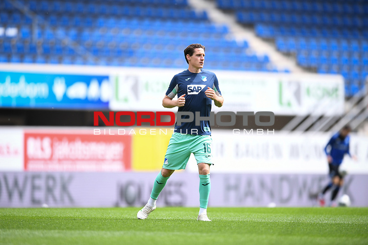 Sebastian Rudy (Hoffenheim) beim Warmmachen.<br /><br />Sport: nph000251 Fussball: 1. Bundesliga: Saison 19/20: 27. Spieltag: SC Paderborn - TSG 1899 Hoffenheim, 23.05.2020<br /><br />Foto: Edith Geuppert/GES /Pool / Rauch / nordphoto <br /><br />DFL regulations prohibit any use of photographs as image sequences and/or quasi-video.<br /><br />Editorial use only!<br /><br />National and international news-agencies out.