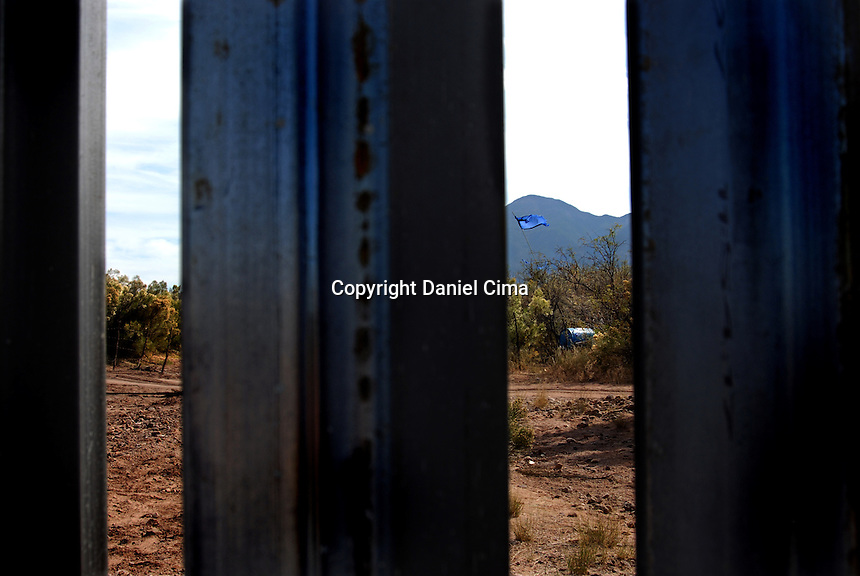 US/Mexico new border fence at Nogales,.Arizona