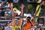 10.05.2015, Muenster, Schlossplatz<br /> smart beach tour, Supercup MŸnster / Muenster, Finale Frauen<br /> <br /> Block Anni Schumacher - Angriff Ilka Semmler <br /> <br />   Foto &copy; nordphoto / Kurth