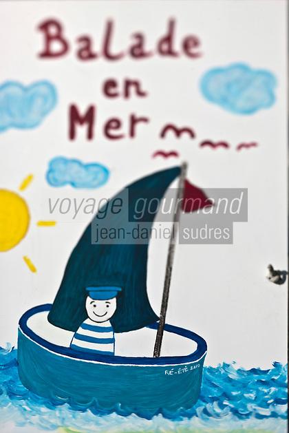 Europe/France/Poitou-Charentes/17/Charente-Maritime/Ile de Ré: Panneau proposant des excursions en mer