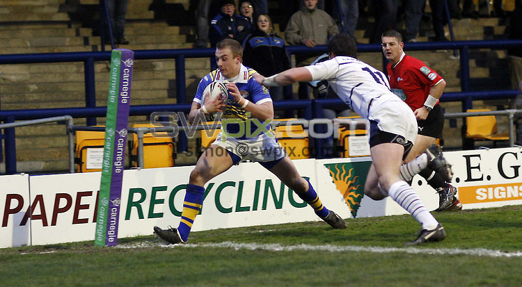 PICTURE BY Ben Duffy/SWPIX.COM -Rugby League Super League, Leeds Rhinos v Celtic Crusaders.....18/04/08. ..Copyright - Simon Wilkinson - 07811267706 ..Leed's Lee Smith goes over to score his team first try