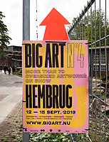 Nederland - Zaandam - 2019.     BIG ART op het Hembrugterrein. Het Hembrugterrein was als hart van de Nederlandse militaire industrie lange tijd afgesloten gebied, maar bruist nu van ondernemerschap en creativiteit. Tijdens BIG ART Hembrug 2019 worden tientallen XL-kunstwerken getoond.      Foto Berlinda van Dam / Hollandse Hoogte