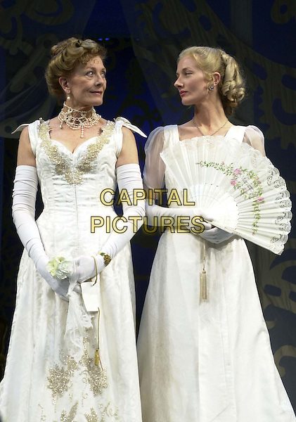 VANESSA REDGRAVE & JOELY RICHARDSON .Photocall for the new production of Lady Windermere's Fan which opens at the Theatre Royal, Haymarket on Thursday.stage, acting, half length, half-length.*RAW SCAN - photo will be adjusted for publication*.www.capitalpictures.com.sales@capitalpictures.com.© Capital Pictures