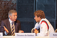 13-09-12, Netherlands, Amsterdam, Tennis, Daviscup Netherlands-Swiss,  Draw, Robin Haase with KNLTB chairman Rolf Thung.