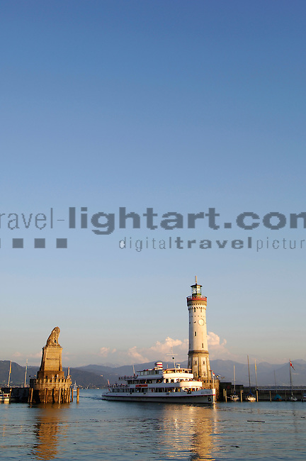 ©Paul Trummer, Mauren / FL, www.travel-lightart.com, Lindau, Bodensee, Bayern, Deutschland, Lake Constance, Bavaria, Germany, Europe, Geography, Europa, Geografie, Binnenhafen, Hafenanlage, Hafenanlagen, Maritim, Örtlichkeiten, Hafeneinfahrt, Hafenbecken, harbor basin, harbour, harbour basin, harbours, localities, maritime, harbour entrance, boat, boats, objects, ship, shipping, ships, things, traffic, transportation, transportations, vehicle, vehicles, Boot, Boote, Dinge, Fahrzeug, Fahrzeuge, Gegenstand, Gegenstände, KFZ, Sachen, Schiff, Schiffahrt, Schiffe, Transport, Transportformen, Transportmittel, Verkehr, Verkehrsformen, Verkehrsmittel, Wasserfahrzeuge