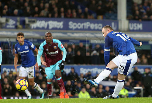 29th November 2017, Goodison Park, Liverpool, England; EPL Premier League Football, Everton versus West Ham United; Wayne Rooney of Everton sees his penalty kick saved by  Joe Hart, West Ham United goalkeeper but goes on to score from the rebound with a header