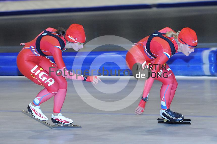 SCHAATSEN: HEERENVEEN: Thialf, 26-06-2012, Zomerijs, Team LIGA, Mayon Kuipers, Yvonne Nauta, ©foto Martin de Jong