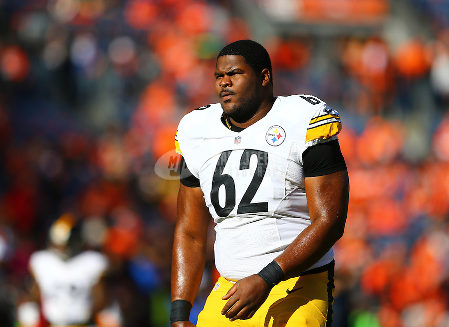 Jan 17, 2016; Denver, CO, USA; Pittsburgh Steelers defensive tackle Daniel McCullers (62) against the Denver Broncos during the AFC Divisional round playoff game at Sports Authority Field at Mile High. Mandatory Credit: Mark J. Rebilas-USA TODAY Sports