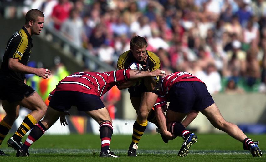 Photo: Richard Lane..Gloucester v London Wasps. Zurich Premiership Final 2003 at Twickenham. 31/05/2003..Paul Volley attacks.