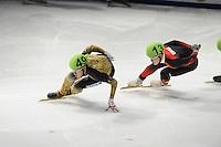 SCHAATSEN: DORDRECHT: Sportboulevard, Korean Air ISU World Cup Finale, 10-02-2012, Keita Watanabe JPN (49), Wenhao Liang CHN (13), ©foto: Martin de Jong