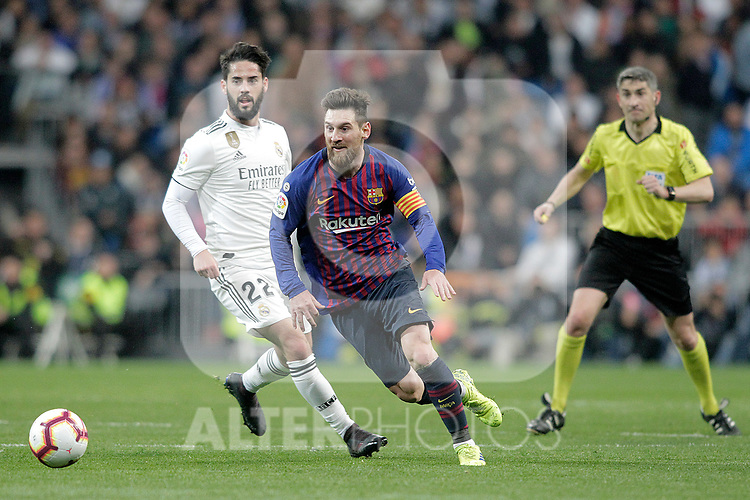 Real Madrid CF's Isco Alarcon and FC Barcelona's Luis Suarez during La Liga match. March 02,2019. (ALTERPHOTOS/Alconada)