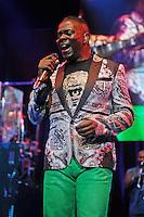 HOLLYWOOD FL - JULY 1 : Philip Bailey of Earth Wind and Fire performs at Hard Rock Live held at the Seminole Hard Rock Hotel & Casino on July 1, 2012 in Hollywood, Florida. ©mpi04/MediaPunch Inc /*NORTEPHOTO.COM*<br /> *SOLO*VENTA*EN*MEXiCO* *CREDITO*OBLIGATORIO** *No*Venta*A*Terceros* *No*Sale*So*third* ***No Se*Permite*Hacer*Archivo** *No*Sale*So*third*©Imagenes con derechos de autor,©todos reservados. El uso de las imagenes está sujeta de pago a nortephoto.com El uso no autorizado de esta imagen en cualquier materia está sujeta a una pena de tasa de 2 veces a la normal. Para más información: nortephoto@gmail.com* nortephoto.com.