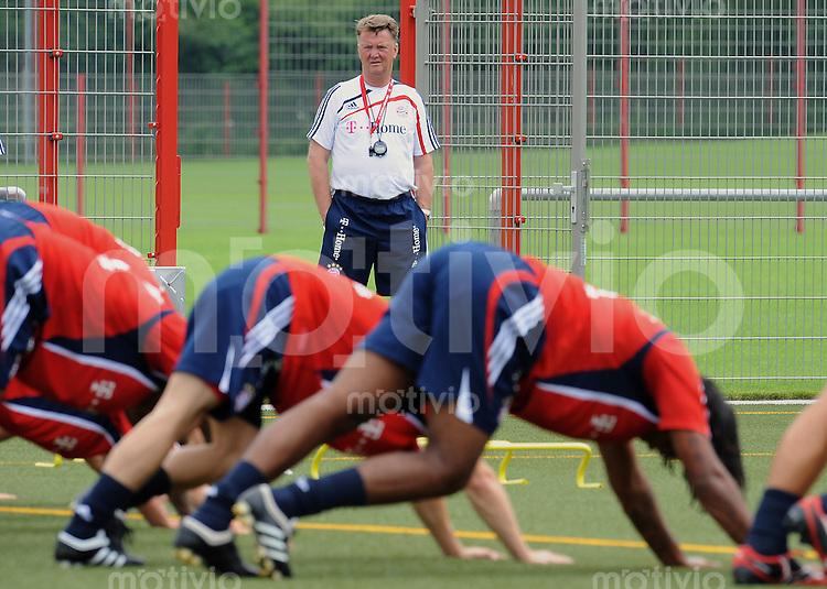 FUSSBALL     1. BUNDESLIGA     SAISON 2009/2010     03.07.2009 Training beim FC Bayern Muenchen  Trainer ,  Louis van Gaal , FCB