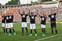 ATENÇÃO EDITOR: FOTO EMBARGADA PARA VEÍCULOS INTERNACIONAIS SÃO PAULO,SP,27 OUTUBRO 2012 - CAMPEONATO BRASILEIRO - CORINTHIANS x VASCO - jogadores do Vasco antes da partida Corinthians x Vasco válido pela 33º rodada do Campeonato Brasileiro no Estádio Paulo Machado de Carvalho (Pacaembu), na região oeste da capital paulista na tarde deste sabado (27).(FOTO: ALE VIANNA -BRAZIL PHOTO PRESS).