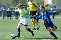 20180915 - Brugge , BELGIUM : Aalst's Isabel Scevenels (left) pictured being pulled by the shirt by Brugge's Katinka Dubois (r)  during the third game in the first division season 2018-2019 between the women teams of Club Brugge Dames and Eendracht Aalst , Saturday 15 September 2018 . PHOTO DAVID CATRY | SPORTPIX.BE