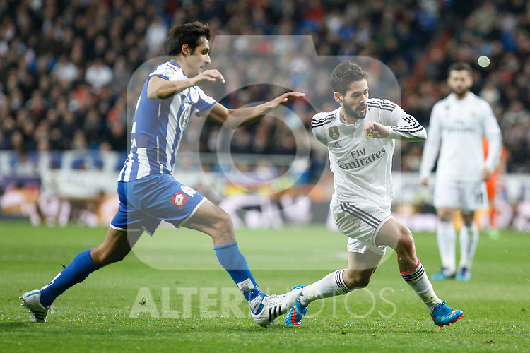 Real Madrid´s Isco (R) and Deportivo de la Courna´s Borges during La Liga match at Santiago Bernabeu stadium in Madrid, Spain. February 14, 2015. (ALTERPHOTOS/Victor Blanco)