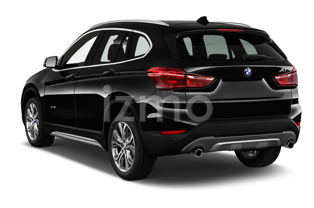 Car pictures of rear three quarter view of 2017 BMW X1 xDrive28i 5 Door SUV Angular Rear
