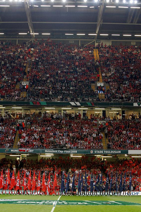 Photo: Richard Lane/Richard Lane Photography. .Munster v Toulouse. Heineken Cup Final. 24/05/2008. .Flag bearers.