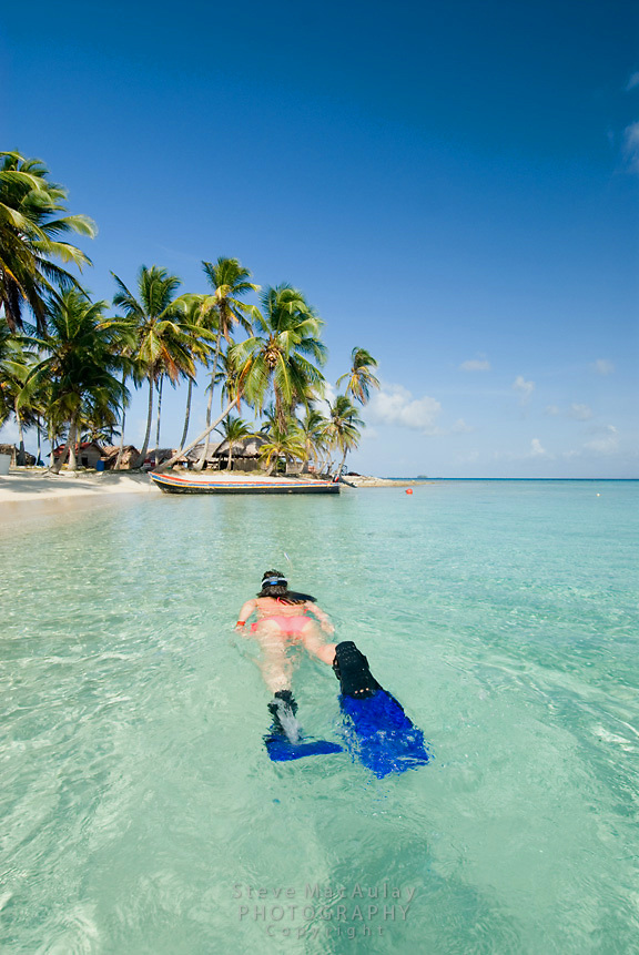 Snorkeling in beautiful clear tropical waters, Comarca De Kuna Yala, San Blas Islands, Panama
