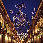 Luci d'artista a Torino. L'opera di Giulio Paolini in via Po. Dicembre 2005...Artist's lights in Turin. The work by Giulio Paolini. December 2005...Ph. Marco Saroldi. Pho-to.it