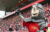 Maskottchen Ritter Keule   <br /> Football / zweite 2.Bundesliga  DFL /  2016/2017 / 16.04.2017 / 1.FC Union Berlin FCU vs. 1.FC Kaiserslautern FCK 170416048 /      <br />     *** Local Caption *** © pixathlon<br /> Contact: +49-40-22 63 02 60 , info@pixathlon.de