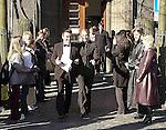 """24.05.2012, Berlin - Thema Hochteit Anna Maria Lagerbloom heiratet Rabber Bushido in Berlin - Archiv aus:  Wer ist der Mann an Sarahs Seite? <br /> Bei der Hochzeit ihrer Schwester Anna-Maria Lewe war Sarah Connor Trauzeugin.<br /> Arm in Arm verließ sie das Standesamt mit einem attraktiven jungen Mann. Sein Name: Jamél. Aber keine Angst, Maenner: Er war """"nur"""" der Trauzeuge des Braeutigams.<br /> <br /> Anna-Maria Lewe und Pravit Anantapongse gaben sich am Valentinstag das Jawort auf dem Delmenhorster Rathaus. Zahlreiche Freunde, Bekannte und Fans ihrer Schwester<br /> Sarah Connor wuenschten dem jungen Paar viel Glück.<br /> <br /> Namen der beteiligten: Sarah Connor, Schwester Anna-Maria Lewe, Braeutigam:Pravit Anantapongse,  Trauzeuge: Jamél<br /> Bild: Sarah Conners vor dem Delmenhorster Standesamt *** Local Caption ***"""