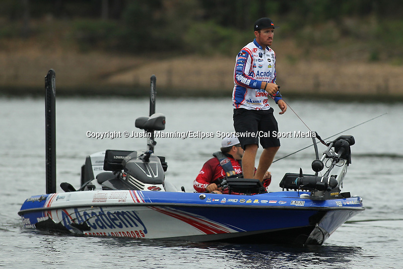 August 21, 2015: Day one leader Jake Wheeler fixing to make a move on day two of the Forrest Wood Cup on Lake Ouachita in Hot Springs, AR. Justin Manning/ESW/CSM