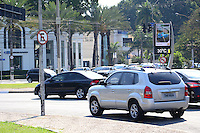 SAO PAULO.SP. 23.08.2014. CLIMA TEMPO - Com o forte calor deste sabado 23, os termometros de rua marcam 30º ao lado do Parque do Ibirapuera região sul, este pode ser um dos dias mais quentes do inverno. ( Foto: Bruno Ulivieri / Brazil Photo Press )