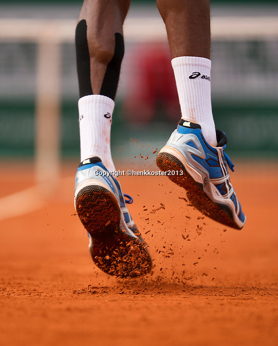 31-05-13, Tennis, France, Paris, Roland Garros,  Gael Monfils serving.