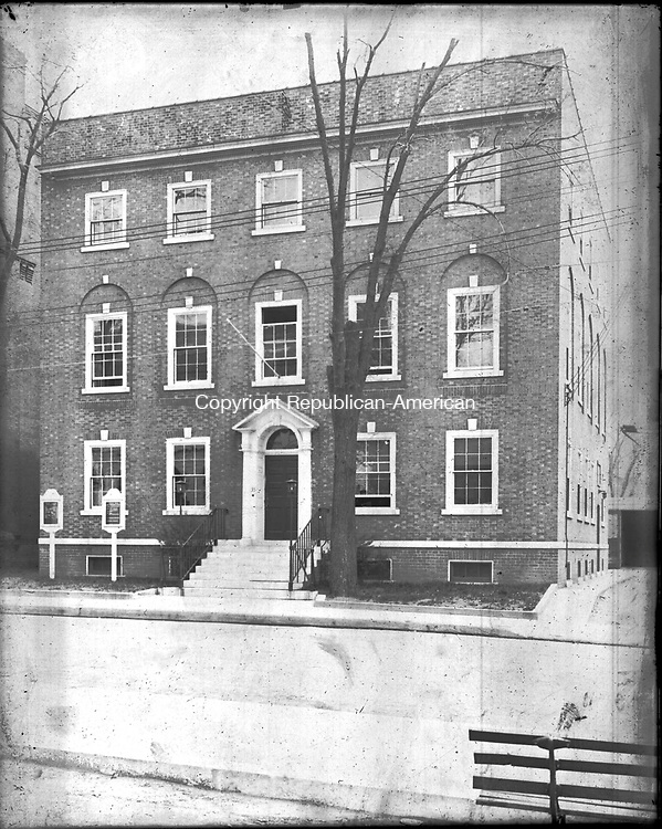Frederick Stone negative. Lincoln House Field Street.<br />
