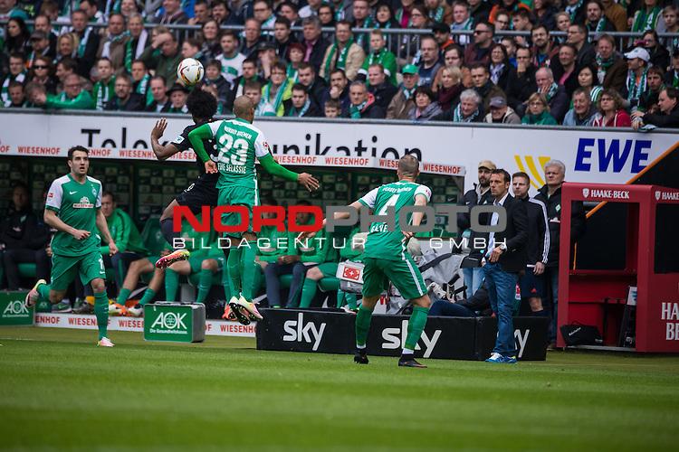 09.04.2016, Weser Stadion, Bremen, GER, 1.FBL, SV Werder Bremen vs FC Augsburg, im Bild Francisco da Silva Caiuby (FC. Augsburg #30) Theodor Gebre Selassie (Werder Bremen #23) Alejandro G&aacute;lvez (Werder Bremen #4) &Ouml;zkan Yildirim (Werder Bremen #17) <br /> <br /> <br /> <br /> Foto &copy; nordphoto / Woratschka