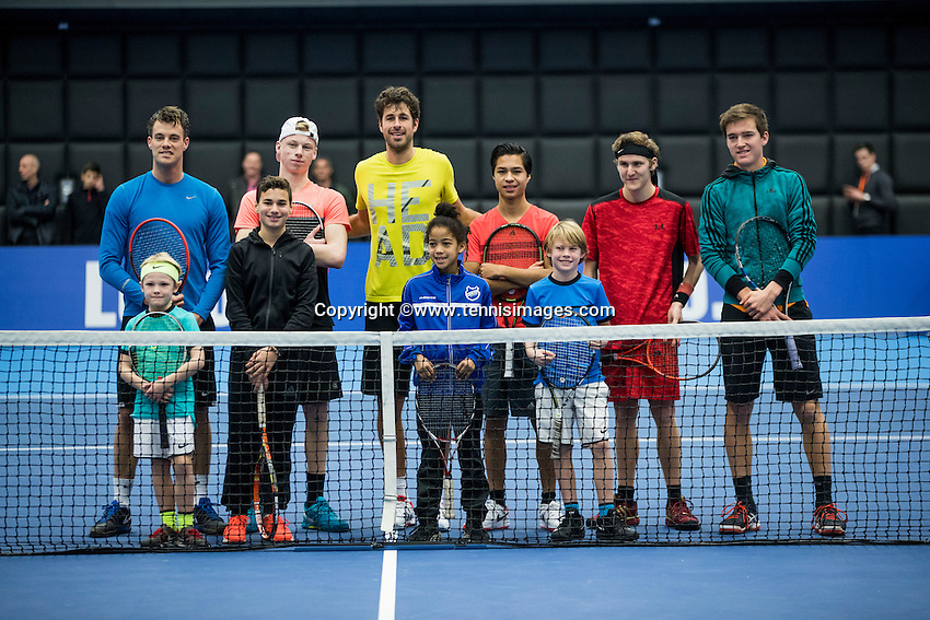 Rotterdam, Netherlands, December 17, 2016, Topsportcentrum, Lotto NK Tennis,   Playing a ball with Robin Haase<br /> Photo: Tennisimages/Henk Koster