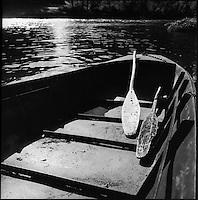 Europe/France/Midi-Pyrénées/12/Aveyron/Env Port d'Agrés: Barques en souvenir des anciennes  Gabarres et de la navigation fluviale dans la vallée du Lot