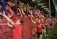 20160920 - LEUVEN ,  BELGIUM : Belgian players and fans pictured celebrating the qualification despite the 0-2 loss during the female soccer game between the Belgian Red Flames and England , the last game in the qualification for the European Championship in The Netherlands 2017  , Tuesday 20 th September 2016 at Stadion Den Dreef  in Leuven , Belgium. PHOTO SPORTPIX.BE | DAVID CATRY